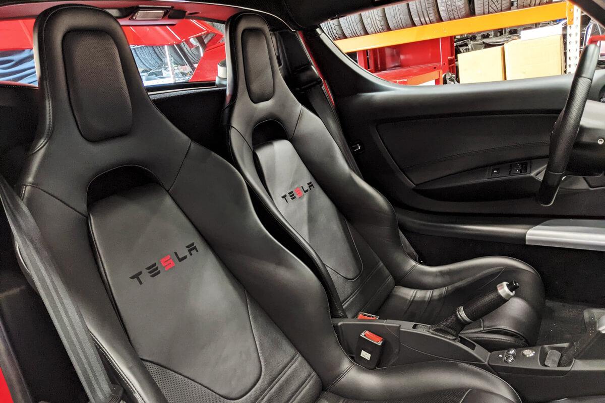 2011 Roadster 2.5 Sport Interior